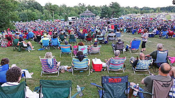 Crt2, 2019 Crowd from top of hill..jpg