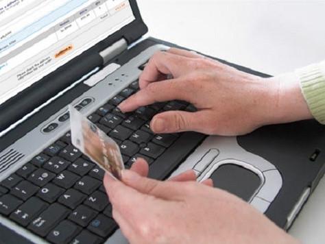 Banco deve cancelar compra por engano no cartão em moeda estrangeira