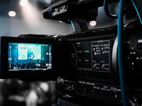 Faculdade deve ressarcir funcionário pelo uso de imagem e voz para fins comerciais