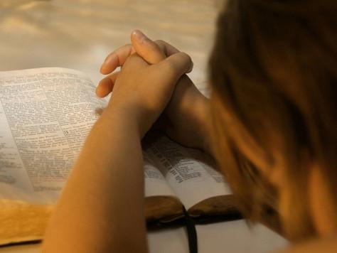 Funcionária dispensada por motivo religioso será reintegrada