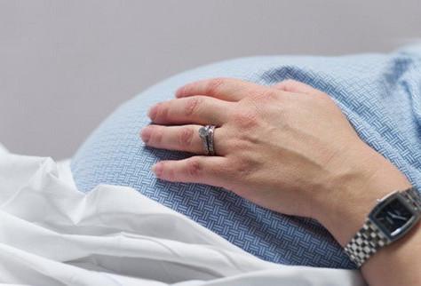 Plano de saúde e hospital indenizarão mulher que sofreu violência obstetrícia