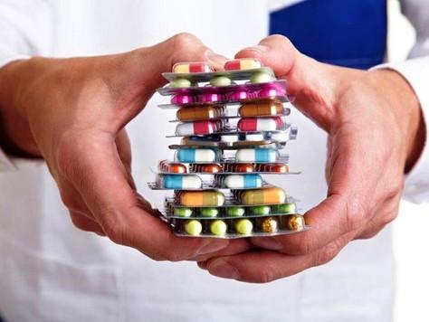 Laboratório deve indenizar farmacêutico por degustar medicamentos