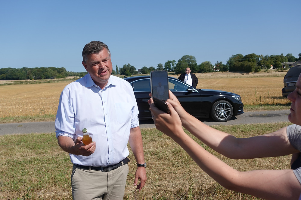 Danish Minister visit quinoa trials