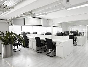 hot-desking-in-a-modern-office_1280px_75