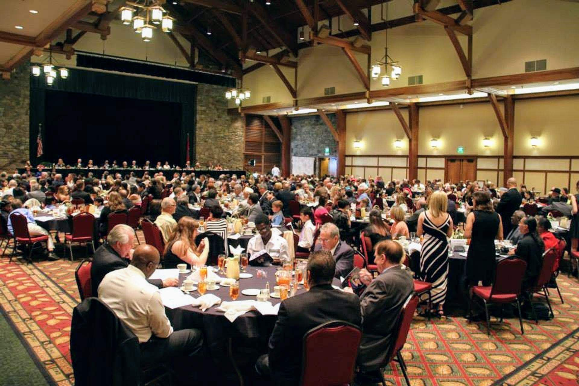 AWARD DINNER/CEREMONY