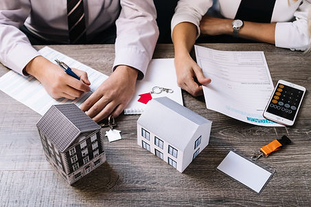 realtor-client-signing-documents.jpg