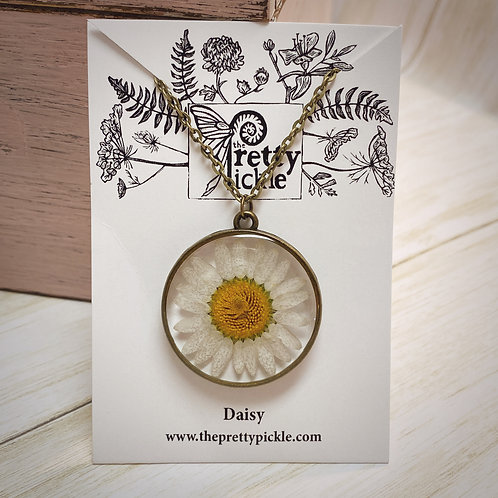 White Daisy Necklace