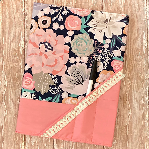 Composition NB Holder in Navy Floral