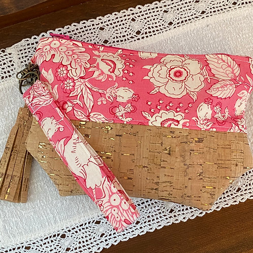 Sari Wristlet in Sweet Pink