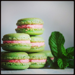 Strawberry mint macarons up on the blog today