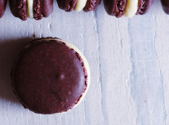 white chocolate & ginger French macarons