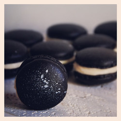 Midnight macarons up on the blog today
