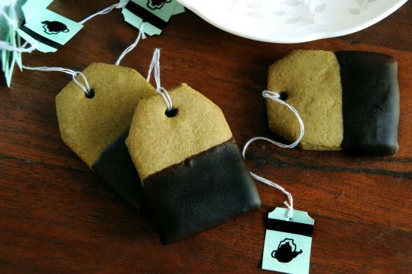 gluten-free matcha green tea shortbread & dark chocolate
