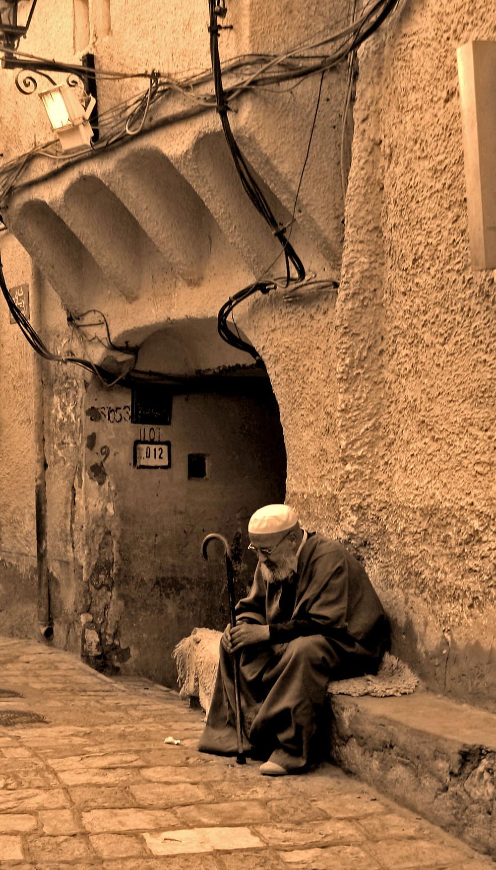 Uomo che prega (Ghardaia – Algeria, novembre 2019)