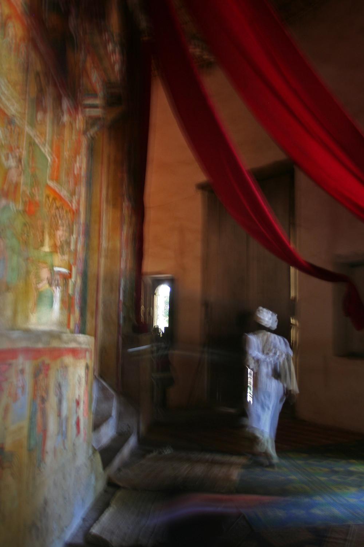 All'interno di una chiesa in un'isola del lago Tana (Etiopia, dicembre 2009/gennaio 2010)