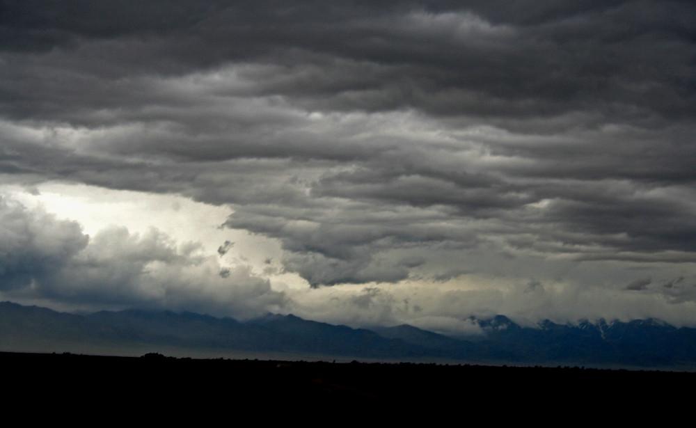 Nuvole (Riserva Naturale Altyn Emel – Kazakhstan aprile-maggio 2018)