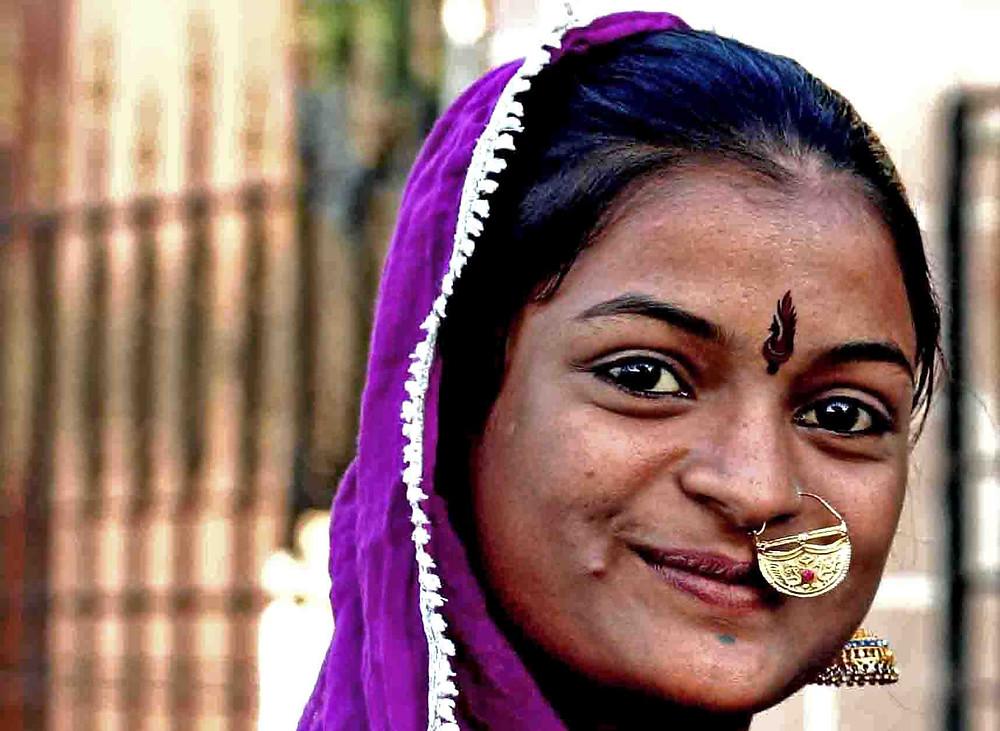 Giovane donna a Jamnagar (Gujarat – India, novembre 2018)