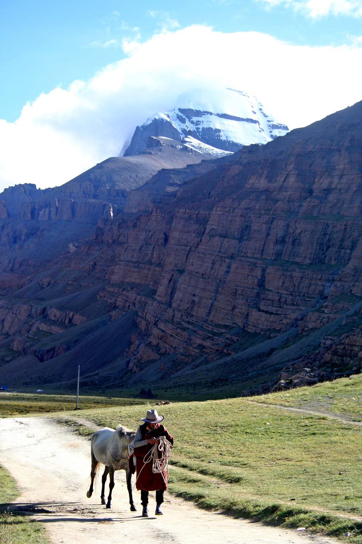 Pellegrina presso il Tarboche (Tibet – agosto 2019)