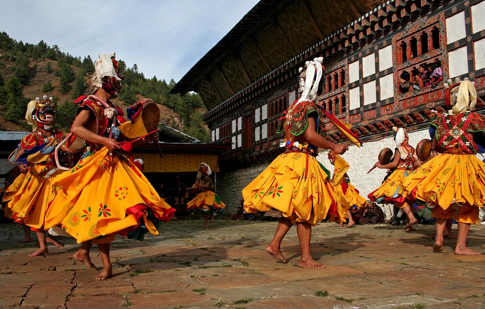 Danza sacra al Prakhar Goemba, nella valle di Chumey (Bhutan – novembre 2008)