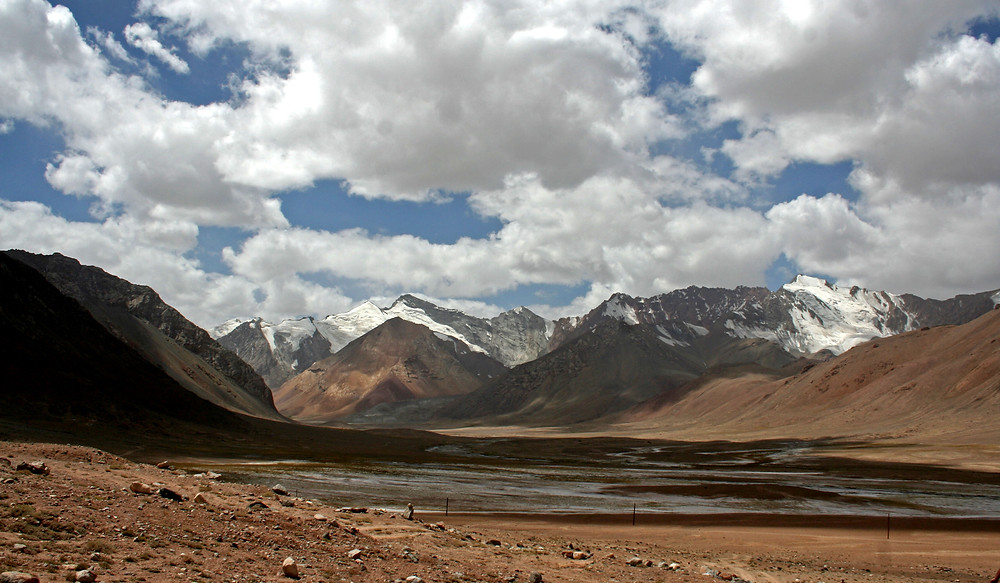 Andando verso l'Ak-Baital pass (4655 m.) sulla Pamir Highway (Tajikistan – Tajikistan e Kyrgyzstan, luglio/agosto 2018)