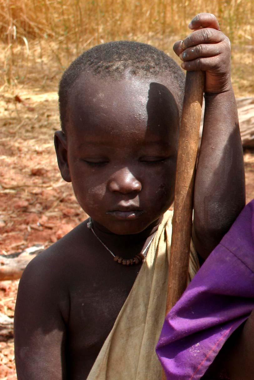 Bambino fuori dal villaggio Gourel Yoba (etnia Peul) – (Senegal – febbraio 2016)