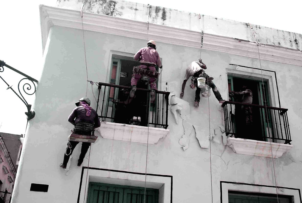 Muratori al lavoro (La Habana – maggio 2017)