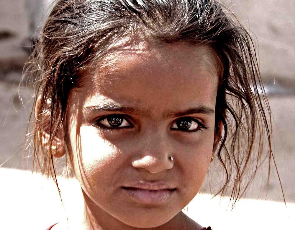 Bambina (Villaggio presso Hodka, Gujarat – India, novembre 2018)