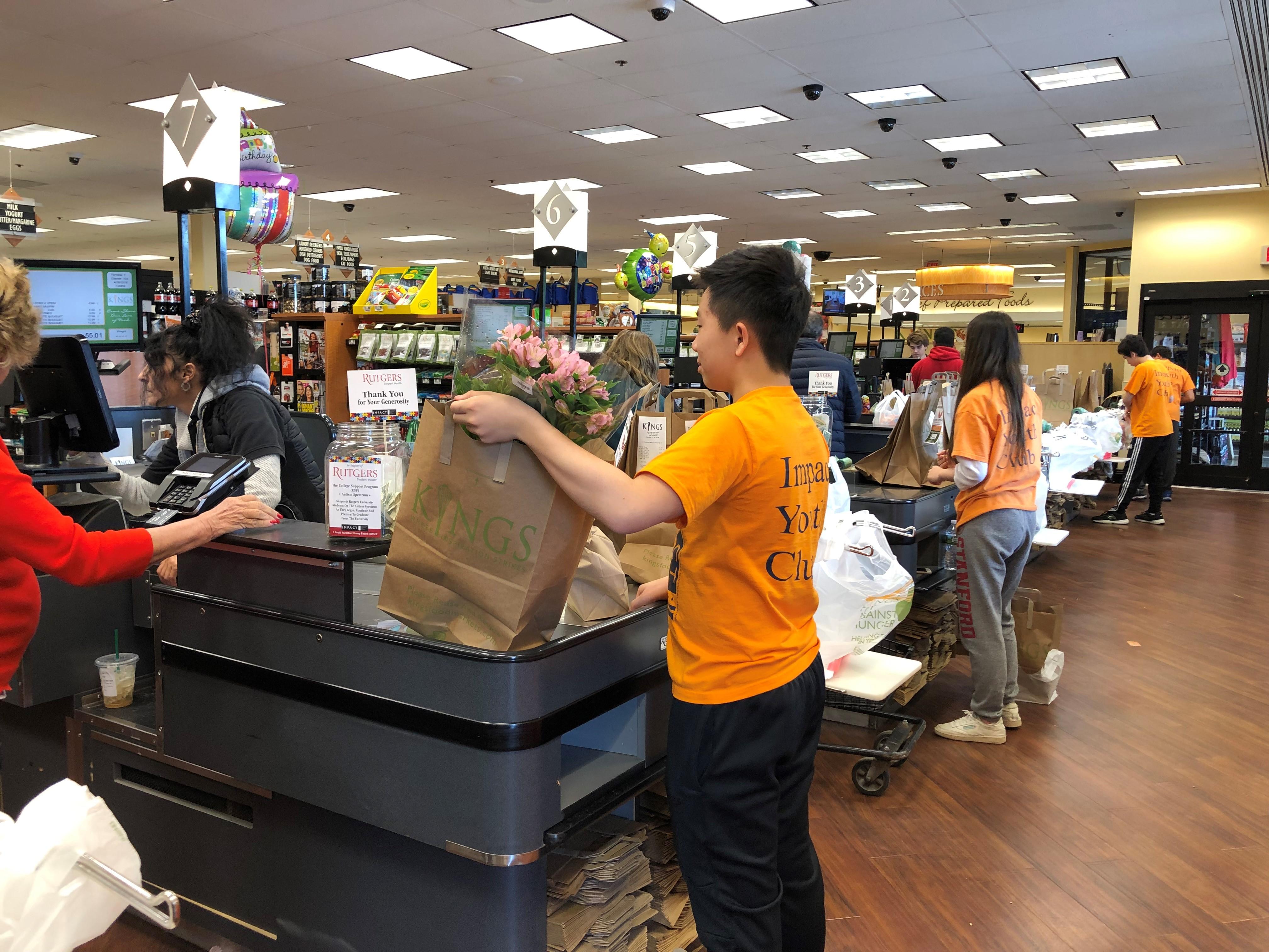 Kings Supermarket Bagging for Tips Event