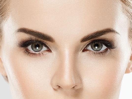 eye-woman-eyebrow-eyes-lashes-29FSWWR.jp