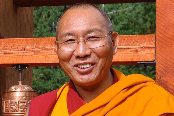 2013 photo of Dagri Rinpoche