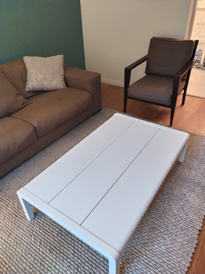 Table relookée en blanc