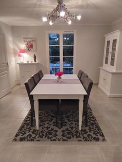 Relooking d'une entrée, salle à manger et salon