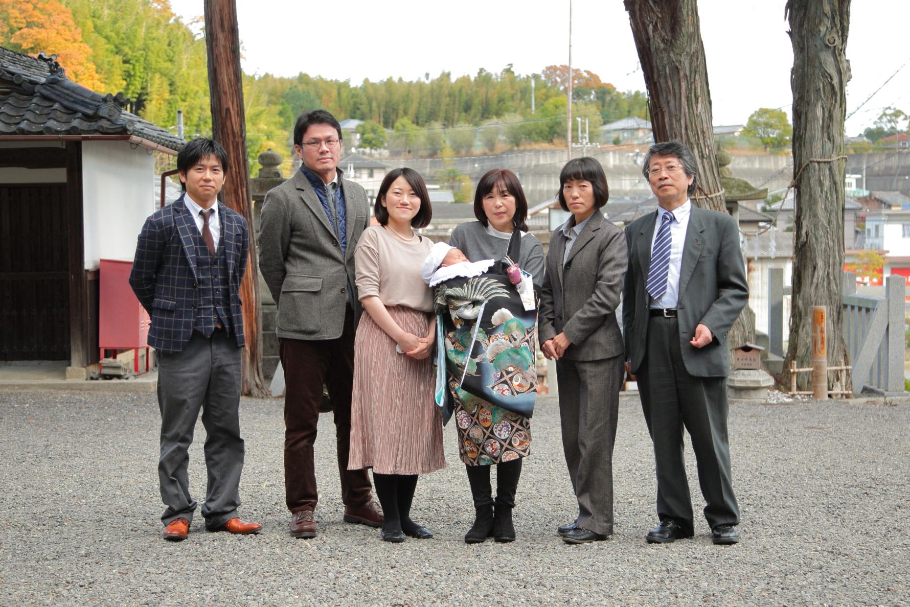 家族写真滋賀 滋賀出張撮影 お宮参り出張撮影 カメラマン滋賀