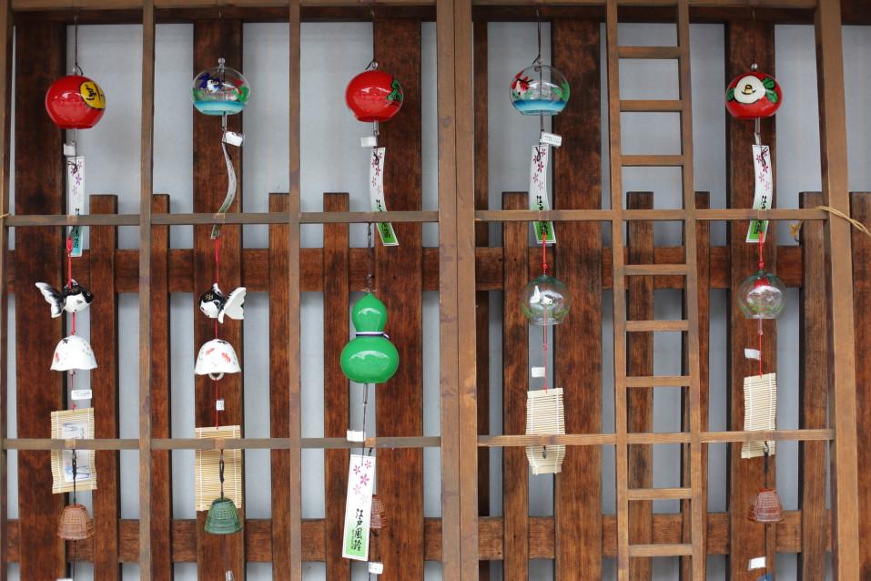 風鈴 軒下の風鈴 たくさんの風鈴