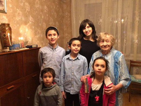 90 Year old Women from Rostov Lights up the World