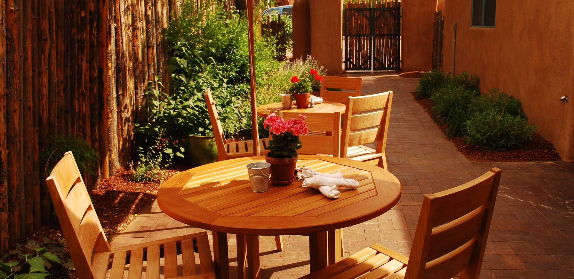 Santa Fe Outdoor Dining