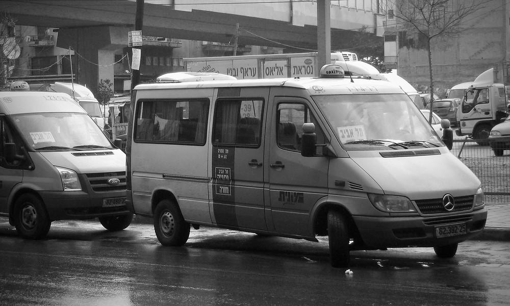 Sherut Taxi in Tel Aviv