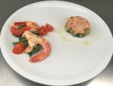 Tartarina di salmone gamberetti saltati