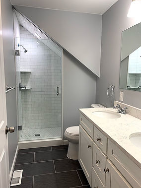 Bathroom 222.jpg