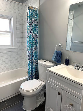 Bathroom 111.jpg