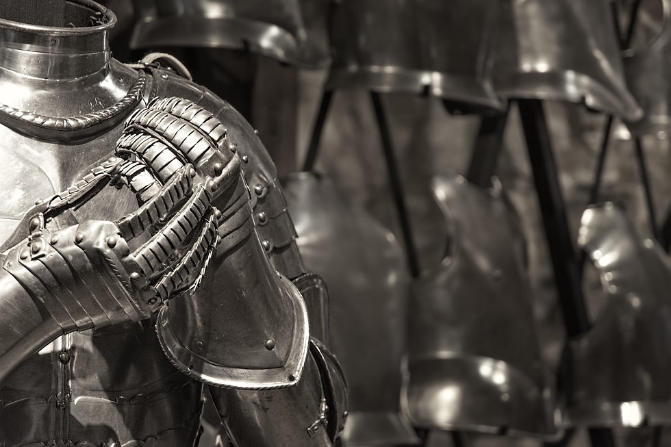 knight-armor-in-the-tower-of-london-GTY6
