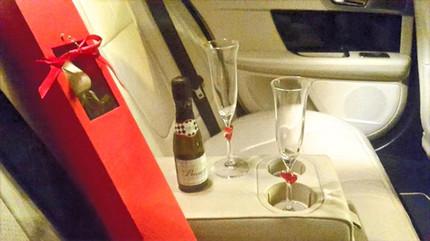 Champagne%2C%20Glasses%20%26%20Flowers%2