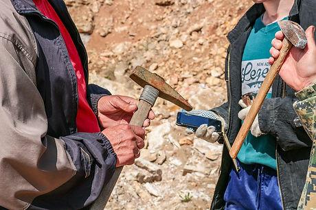 limestone-2750965_1280.jpg