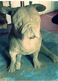 Chien sculpture béton