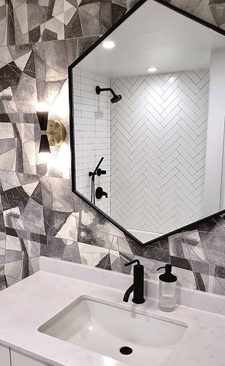 bathroom%20MG_0316_edited.jpg