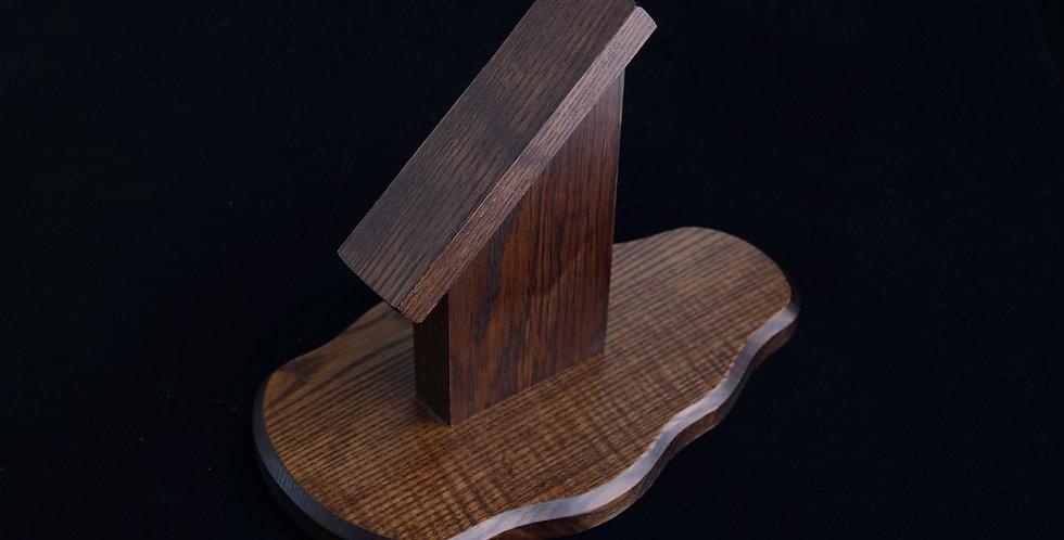 Pedestal Shield