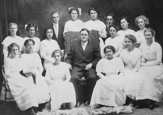 Week 2 1912 SHS Graduating Class.jpg
