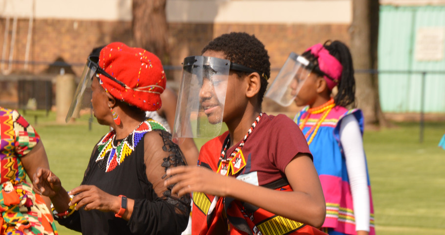 Fun Grade 7 last dance (2020)-Colourful and beautiful traditional attire