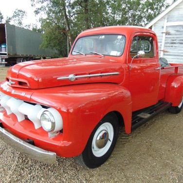 1952 Ford F2 3/4 Ton Pick Up