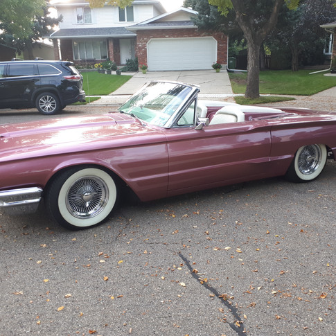 SOLD UNDISCLOSED AMT 1964 Ford Thunderbird Convertible